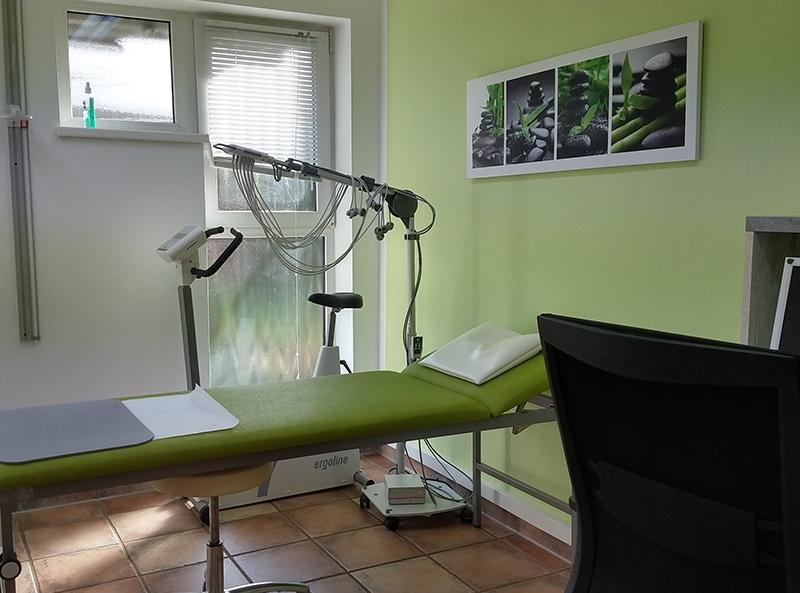 Hausarztpraxis Borchert Grunert - EKG-Behandlungszimmer